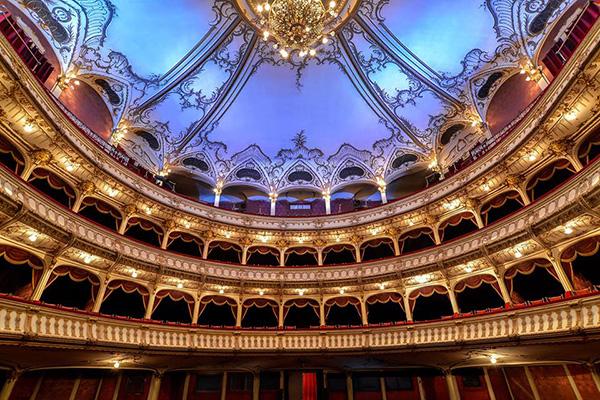 Despre Pro Opera Transilvană